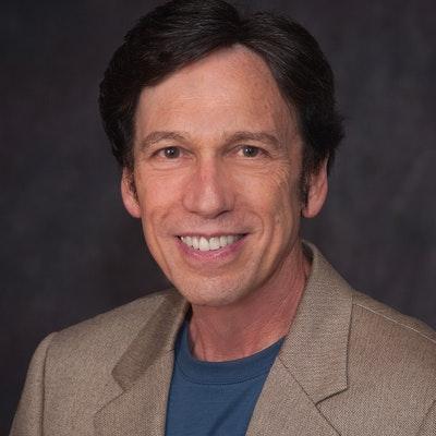 portrait photo of Peter Kuznick