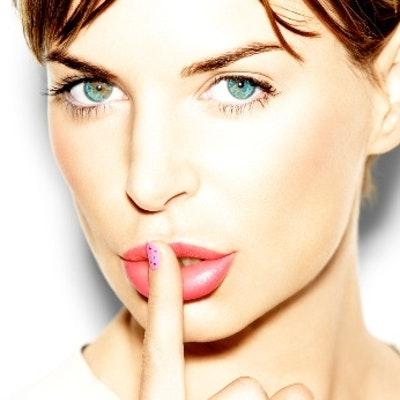 portrait photo of Manon .