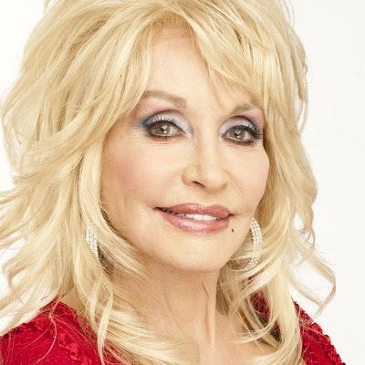 portrait photo of Dolly Parton