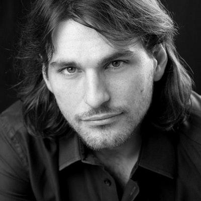portrait photo of Richard La Ruina
