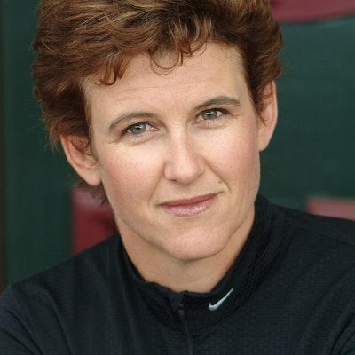 portrait photo of Tracey Richardson