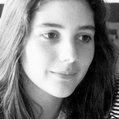 portrait photo of Ann Brashares
