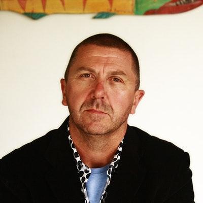 portrait photo of Martin Chatterton