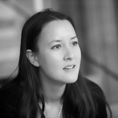 portrait photo of Sarah Howe