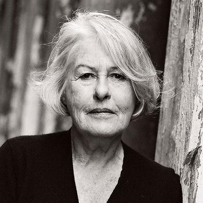 portrait photo of Anne Harvey