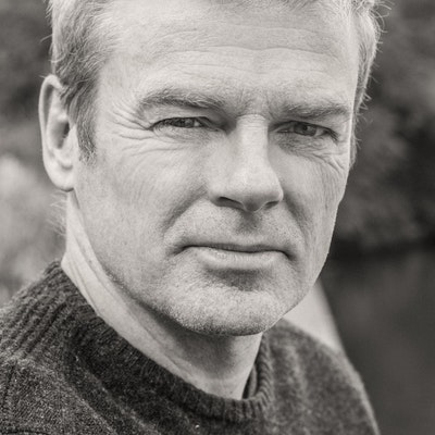 portrait photo of Mark Haddon