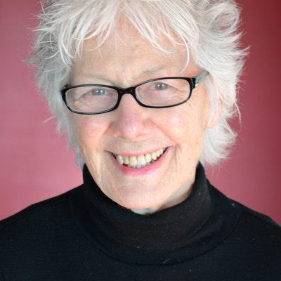 portrait photo of Diane Newcombe
