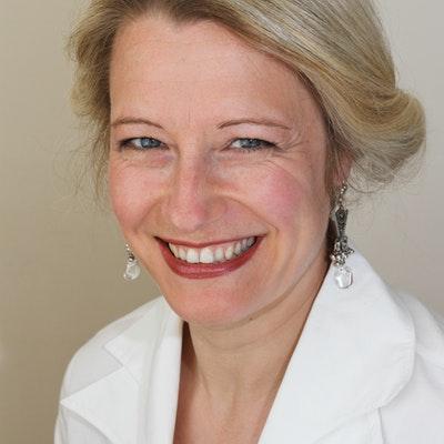 portrait photo of Lucy Adlington
