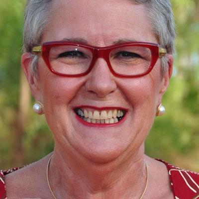 portrait photo of Beth McRae