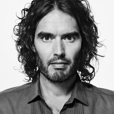 portrait photo of Russell Brand