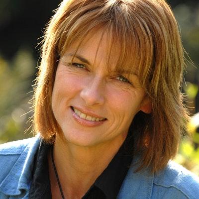 portrait photo of Isabel George