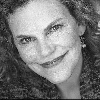 portrait photo of Laura Markham
