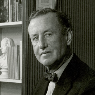 portrait photo of Ian Fleming