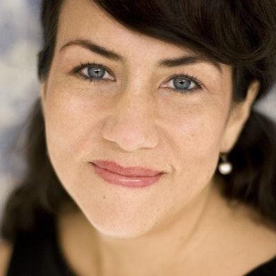 portrait photo of Alison MacLeod