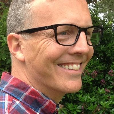 portrait photo of Rob Stevens