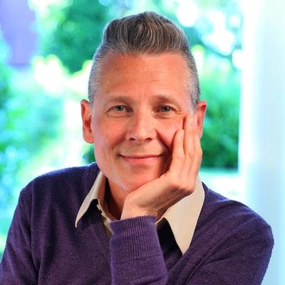 portrait photo of Simon Grennan