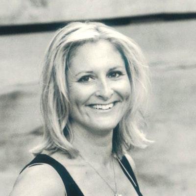 portrait photo of Zana Morris