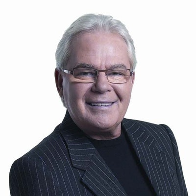 portrait photo of Les Murray