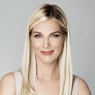 portrait photo of Laura Lynne Jackson