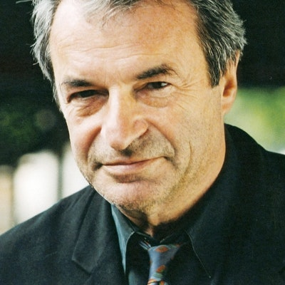 portrait photo of Olivier Rolin