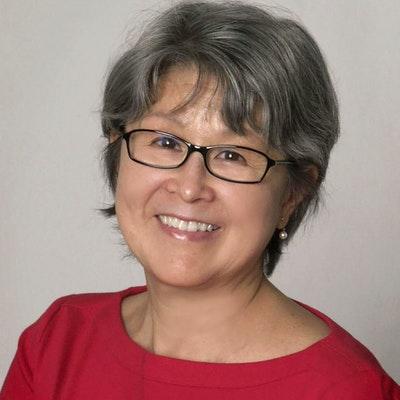 portrait photo of Lynne Kutsukake