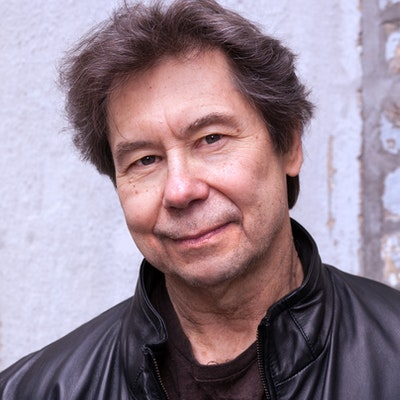 portrait photo of Stuart Dybek