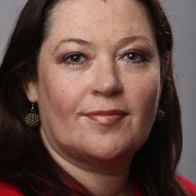 portrait photo of Karen Middleton