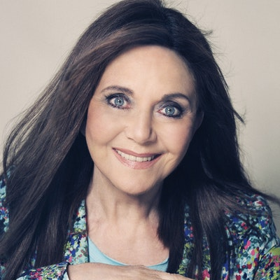 portrait photo of Miriam Stoppard