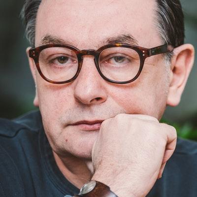 portrait photo of E.O. Chirovici