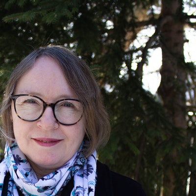 portrait photo of Shari Lapena