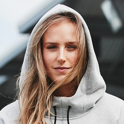 portrait photo of Ellyse Perry