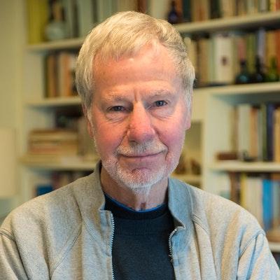 portrait photo of David Hill