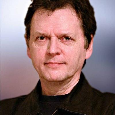 portrait photo of Bob Lea