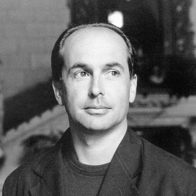 portrait photo of Don Winslow