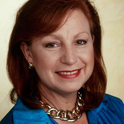 portrait photo of Jacki Passmore