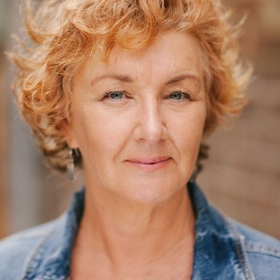 portrait photo of Debra Oswald