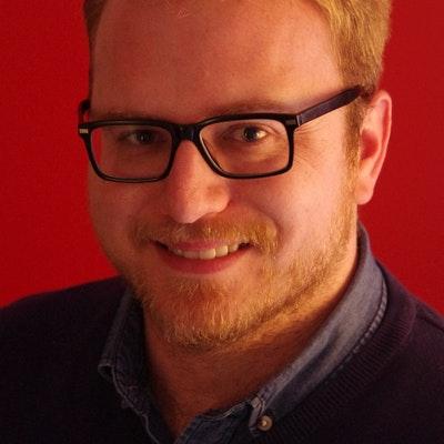 portrait photo of Steven Lochran