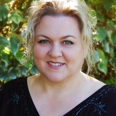 portrait photo of Tania Ingram
