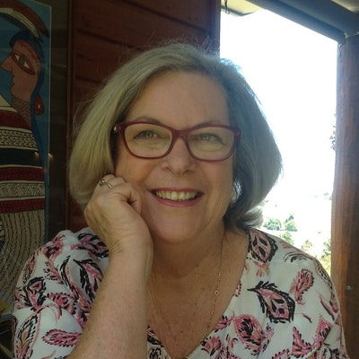 portrait photo of Barbara Hannay