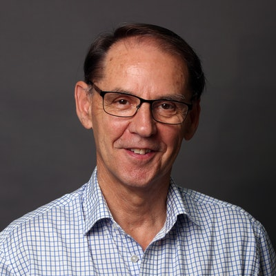 portrait photo of Peter Cochrane