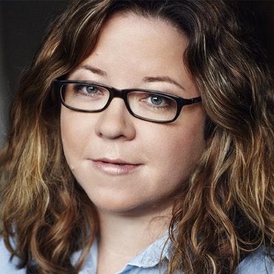 portrait photo of Fiona McFarlane