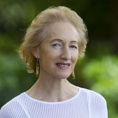 portrait photo of Janet Hawley