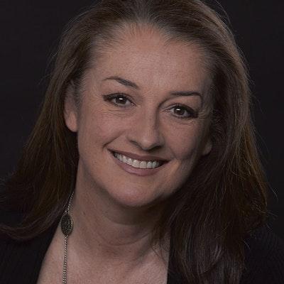 portrait photo of Kathryn Ledson