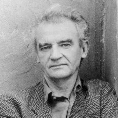 portrait photo of Seamus Deane